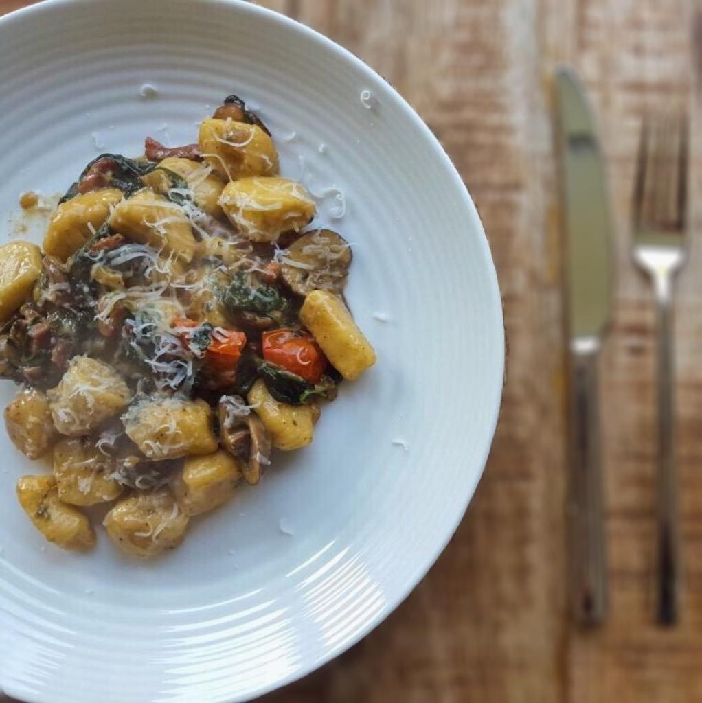 Gnocchi met spinazie en spek