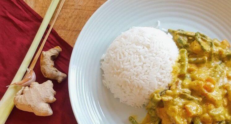 Indonesische gele curry