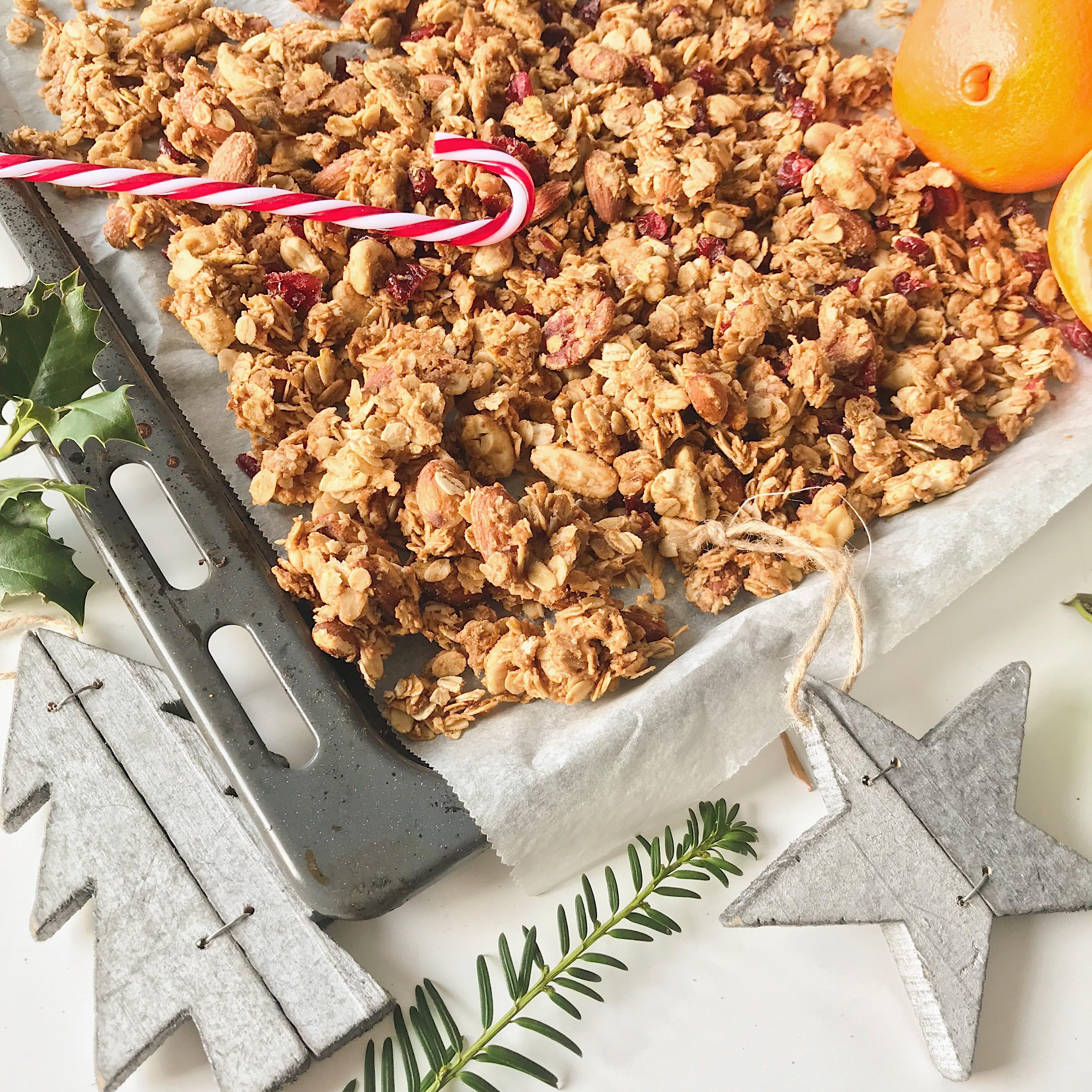 Kerst Granola met cranberry en sinaasappel