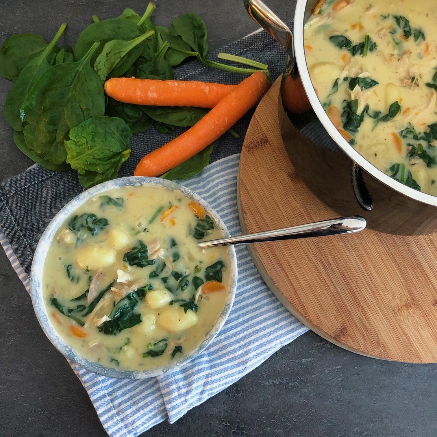 Kippensoep met gnocchi en spinazie